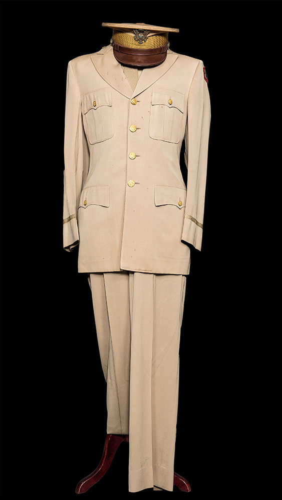 U.S Army Service Uniform, c.WWII 995.04.06 Photograph courtesy of Manfred Saul